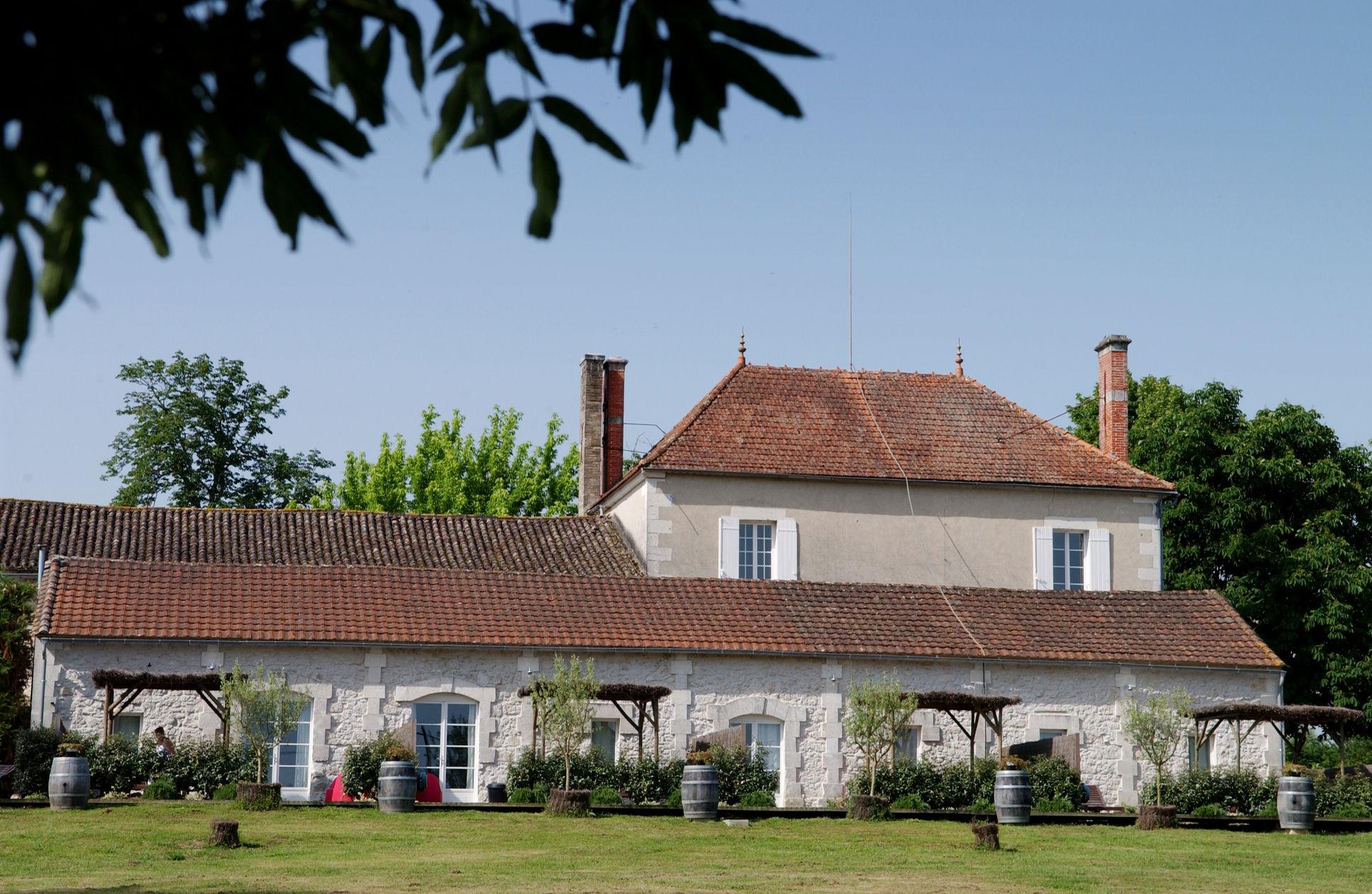 Koop 'Herenhuis met 5 gîtes, B&B in Dordogne' in Aquitaine ...