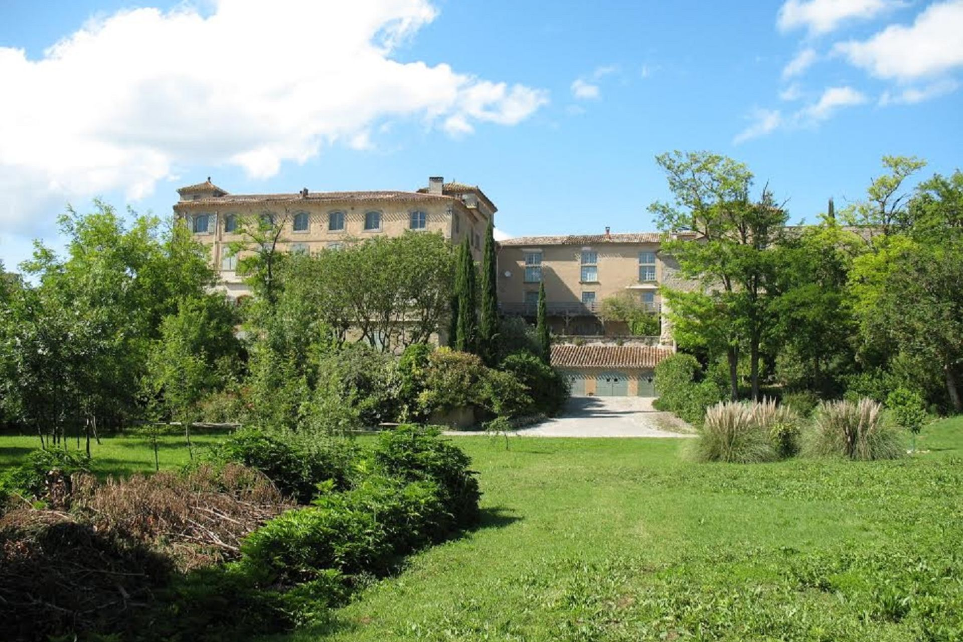 Buy 39 3 room apartment in french chateau 39 in languedoc for French chateau homes for sale