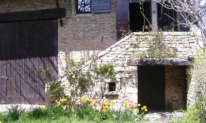 Heerlijk typisch Bourgondisch wijnboerhuisje uit de 18e eeuw