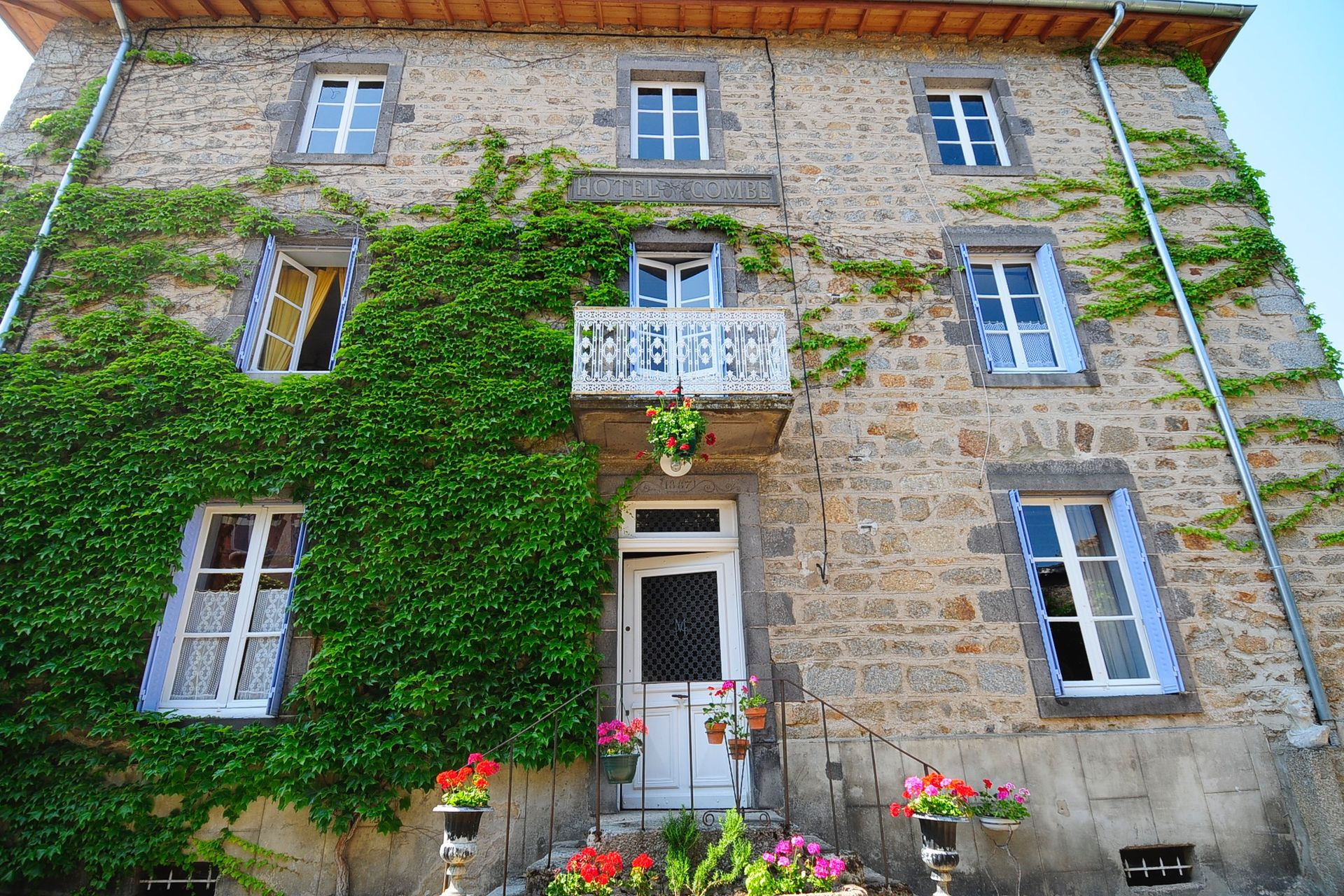 Acheter 39 villa de luxe ancien h tel dans la loire 39 dans for Hotel de luxe en france