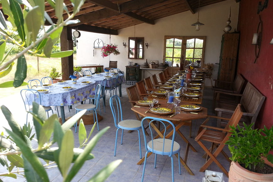 Rent holiday home la bergerie la charrue in h rault languedoc roussillon in france - Terras teak zwembad ...