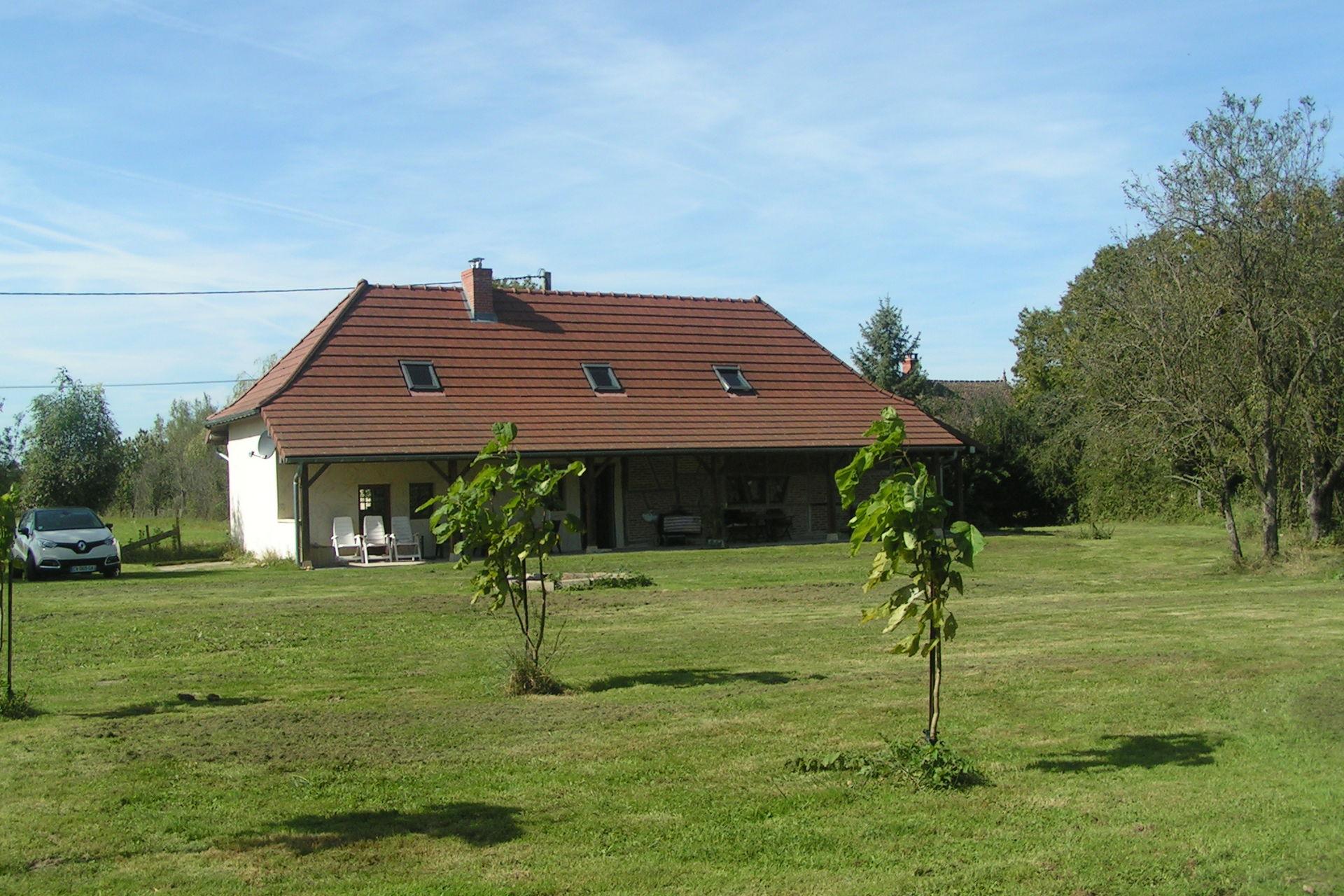 Bekijk vakantiehuis l ancienne ferme in sa ne et loire bourgogne - Stijl ligstoelen anciennes ...