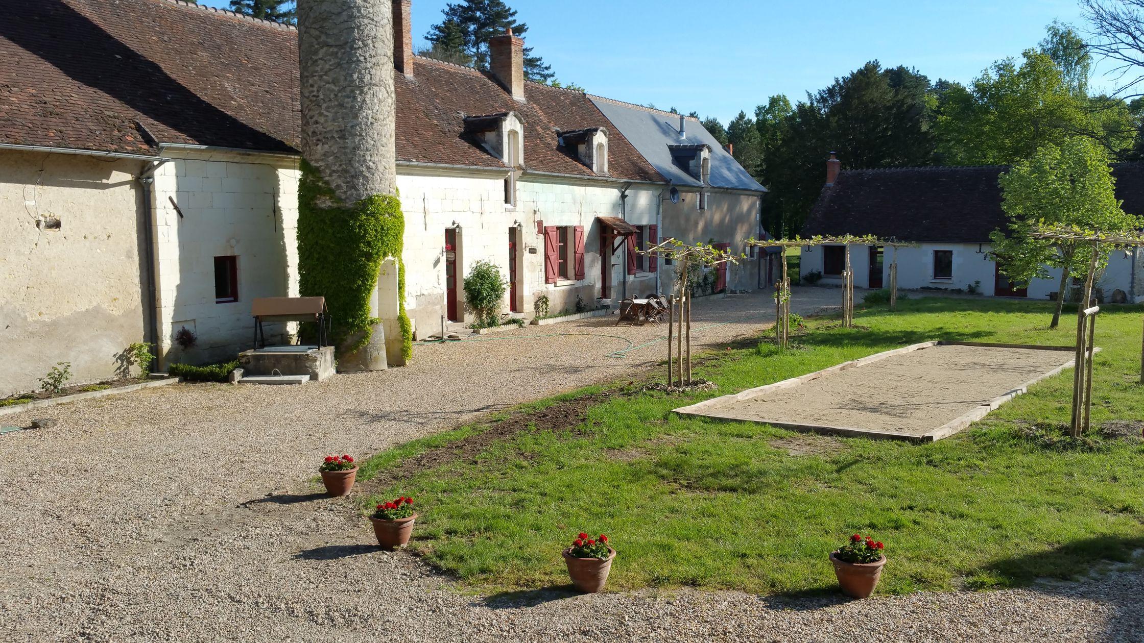 Ruime gekoppelde gîtes, La Ronde en La Remise bij Château le Grand Biard