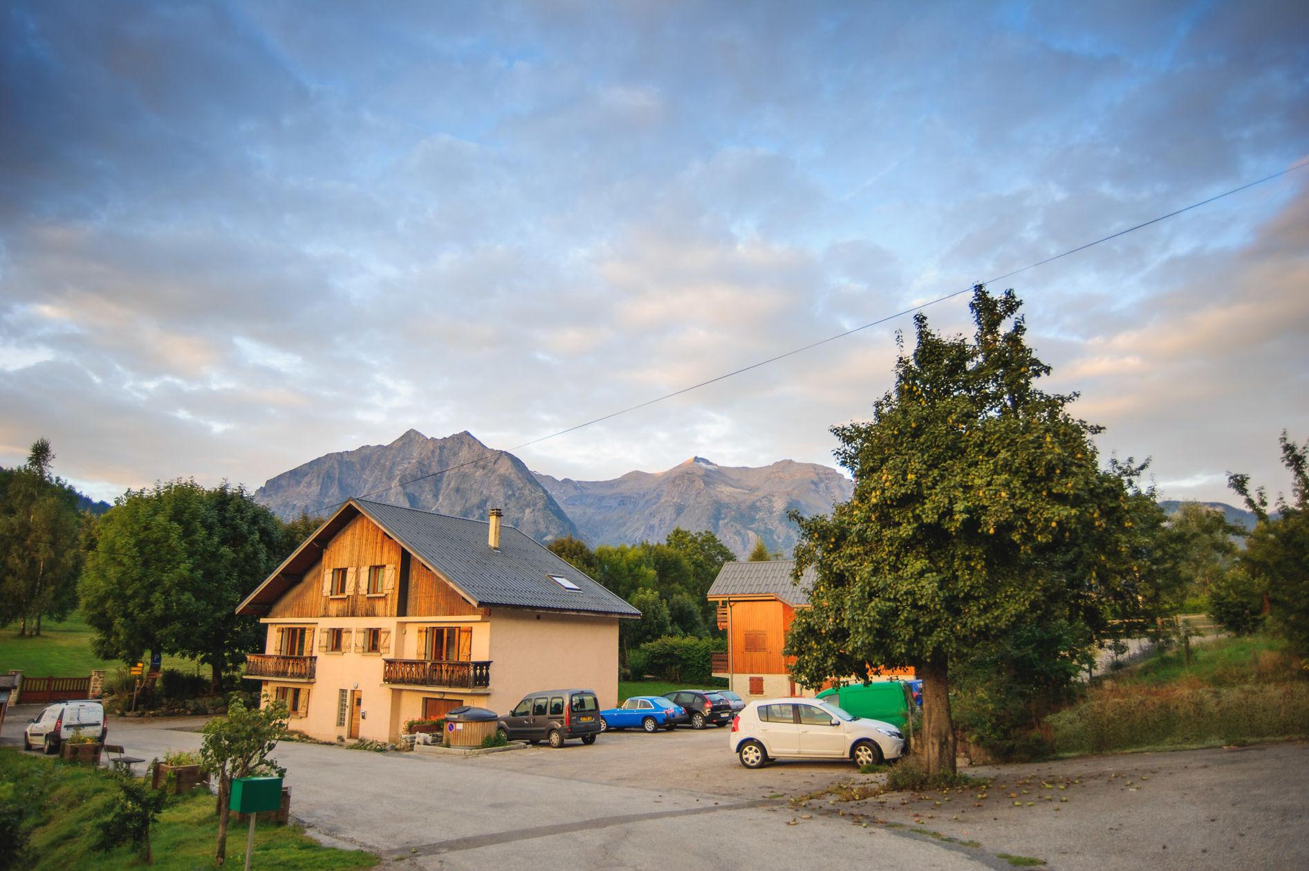 Alpine Heros Chalet