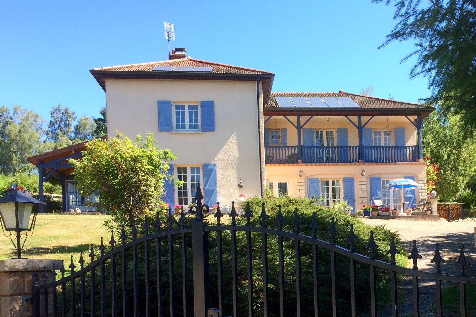 Acheter 39 charmante demeure en bourgogne du sud 39 dans la for Acheter maison bourgogne