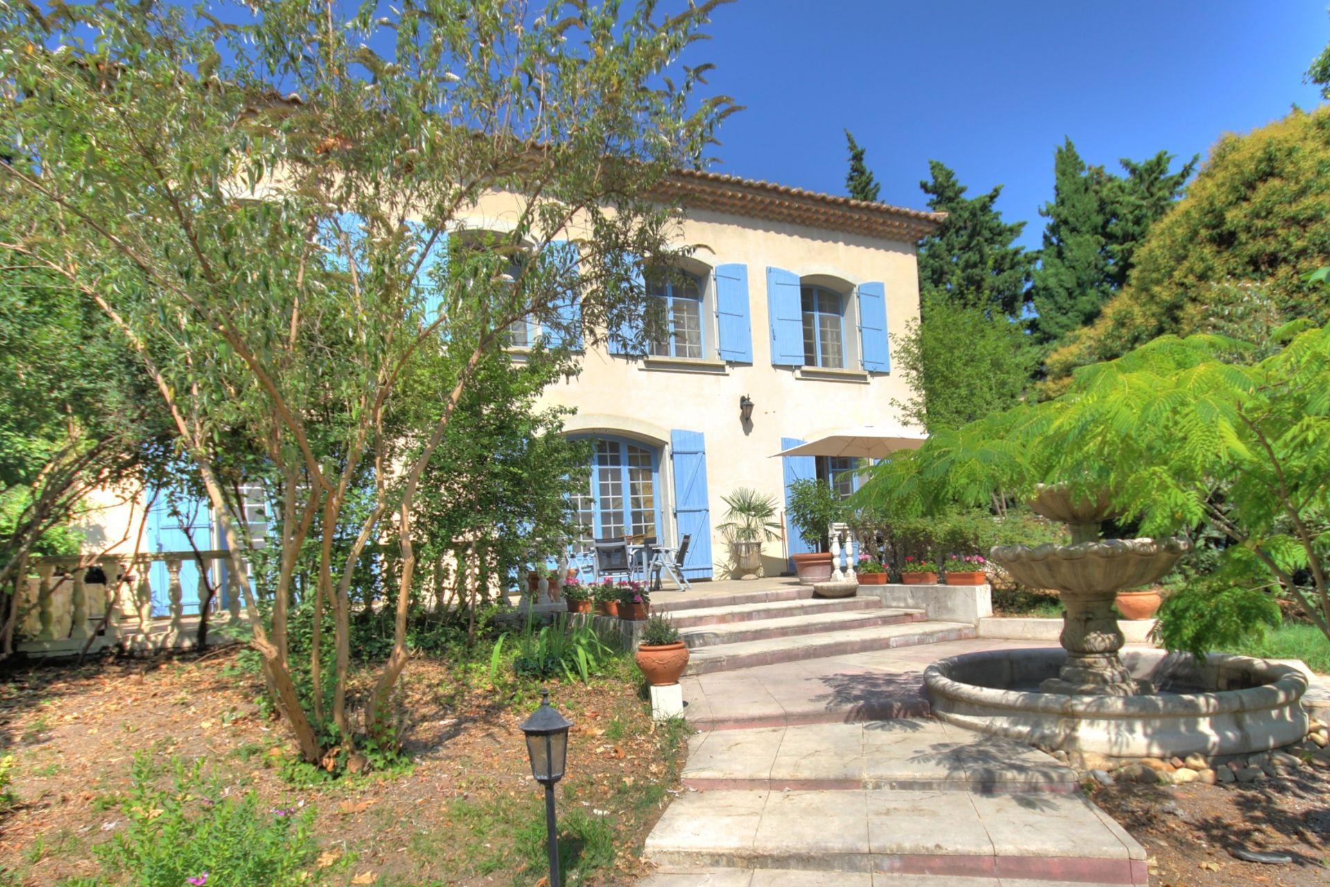 Acheter 39 villa de l 39 arc orange 39 dans la region provence for Acheter maison vaucluse