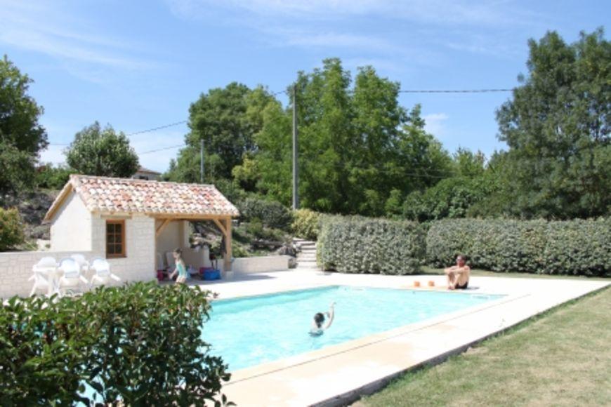 Vakantiehuis frankrijk kopen bekijk alle vakantiehuizen for Zwembad voor in de tuin met pomp